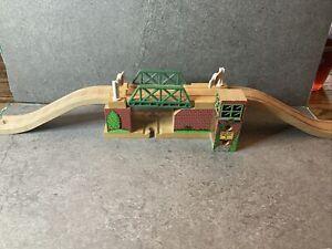 Thomas & Friends Train Tank Wooden Railway - Lift Draw Lifting Bridge