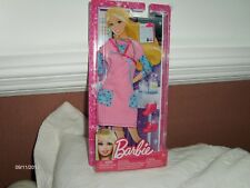 Mattel Y4941 Barbie tenue d'infirmière 2012