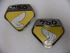 Honda CB 750 Four Sandcast  Emblem Set für Seitendeckel