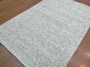 6' x 9' Rug |Modern Luxury Soft Hand-Loom Wool White Black Area Rug