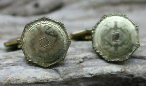 ANTIQUE VICTORIAN HWK Co. CUFFLINKS GOLD TONE ENGRAVED 14.2mm DIA (C32)