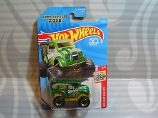 2018 HOT WHEELS ''HOLIDAY RACERS'' #76 = MONSTER DAIRY DELIVERY = GREEN ,us