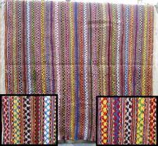 Superbe tapis avec décoration géométrique  => 2.20 x 2,10 (12b)
