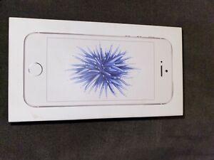 Apple iPhone SE - 128GB - Silver (Unlocked) A1662 (CDMA + GSM)
