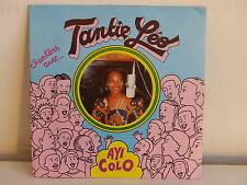 Chantons avec TANTIE LEO Ayi colo EA45001