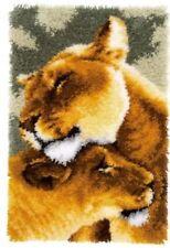 Vervaco Knüpfteppich Tiermotiv Löwen Freundschaft mit Garn 44x68 cm KKPN0150913