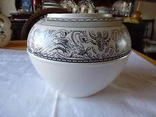 Beautiful Wedgwood Earthernware Bowl