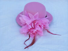 "LADIES 5"" FASCINATOR HAT w- HAIR CLIP LIGHT PINK SMALL COCKTAIL FEATHER RACES"