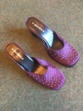 Essence Ladies Slip On Helled Shoe In Purple Size Uk6