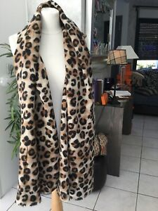 Etole echarpe facon leopard neuve