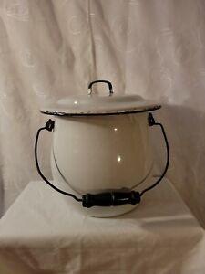 Antique  Graniteware Chamber Pot with Lid Vintage Enamel Master Pot