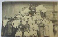 Triberg, Soldaten und Krankenschwestern im Lazarett, Fotokarte 1918 (26728)