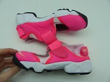 Girls Nike rift hot pink trainers UK 11.5, EUR 29.5