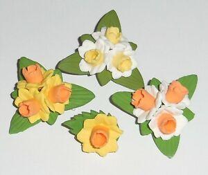 Daffodil brooch pin badge