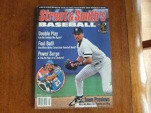 1997 Street And Smith's BASEBALL YEARBOOK Derek Jeter Cover