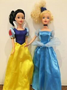 Disney Princess Dolls Cinderella and Snow White Bundle