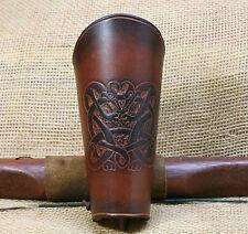 Brassard de Bow cuir brun manchette créatures GRAVANT en refief Viking