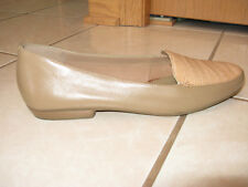 St. Johns Bay LAUREN Beige Leather Slip On Flats Loafers Shoes Size 9 M