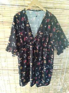 Boohoo Tunic Dress Top Sz 20 Black Floral Boho Hippie Festival Curvey Plus size