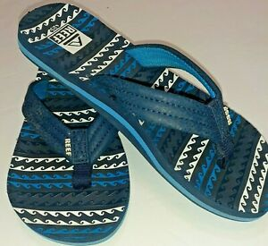 Boys Reef Flip Flops Size 2/3 w/Sea Wave Pattern Blue & White Beach/Pool/Play
