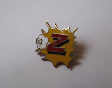 Pin's mode vêtements enfants Z (logo EGF)