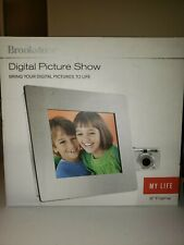 """Brookstone Digital Picture Show 8"""" Frame."""