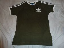 Adidas Originales Para Hombres 3 Rayas Camiseta Camiseta manga corta cuello redondo oliva
