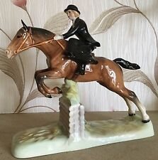 BESWICK HORSE PONY HUNTSWOMAN JUMPING MODEL No 982 BROWN GLOSS FINISH PERFECT