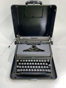 Royal Quiet Deluxe Typewriter Vintage With Hard Case Cover Old 40's 50's Rare