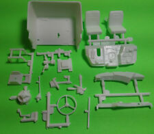 Mack R685ST 1/25 AMT big rig semi truck model part interior tub dash bucket seat