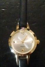Vintage ladies watch, running with new battery no Reserve