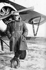 WW1 - L'As français, le Lieutenant Nungesser devant son Nieuport
