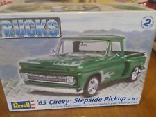 Plastic Model Kit '65 Chevy Stepside Pickup 2-In-1 1:25 031445072109
