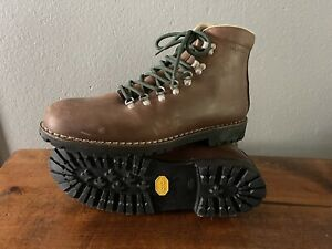 Merrell Men's Brown Leather Vibram Sole Mountaineering Hiking Boots 13 M