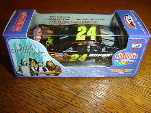 #24 Jeff Gordon 2004 DUPONT / THE WIZARD OF OZ 1/64 Action RCCA H/O Diecast NEW