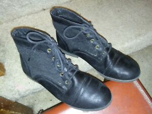 ⭐️ EUC Just Fab 7.5 Black Faux Leather Lace Overlay Lace & Grommet Combat Boots