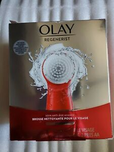 Olay Regenerist Face Cleansing Device Tool and 2 Brush Heads (R1)