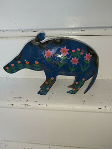 METAL WARTHOG HANDMADE FROM RECYCLED OIL DRUMS IN INDIA - FAIRTRADE