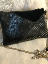 Woman handbag black with leather detail