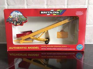 "BRITAINS MODEL No.9587 "" FYSON""ELEVATOR AND BALES     MIB"
