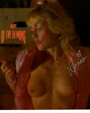 LINNEA QUIGLEY signed Autogramm 20x25cm NIGHT OF THE DEMONS In Person autograph