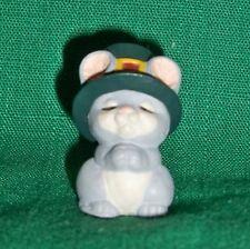 Hallmark Merry Miniature 1993 Praying Pilgrim Mouse