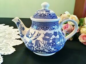 Churchill Blue Willow Pattern Teapot Made in England