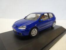 Schuco VW Golf 5 2004 3drs Blauw P4818