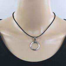 Schwarze geflochtene Halskette der O Schmuck mit Edelstahl O-Ring Anhänger matt