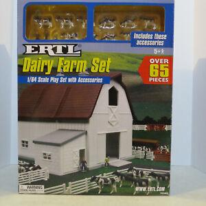 Ertl Dairy Farm Set 1/64 Scale FC-12279-B