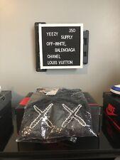 Uniqlo x KAWS x Sesame Street Men's Sweater Sweatshirt Size Small.