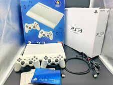 Sony PlayStation 3 super slim Weiss 500 GB + + 2 Controller Sony + +