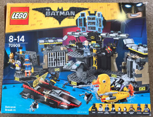 Lego Batman - Batcave Break-In Large Complete Set And Box (70909)