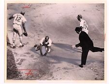 5/11/65 RICHIE ALLEN BASEBALL WIRE SERVICE PHOTO PHILLIES VS ST LOUIS CARDINALS